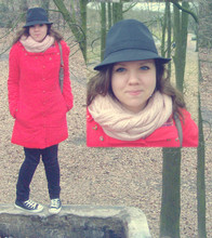 Darlene D. - Blutsgeschwister Coat, H&M Hat, H&M Scarve, Converse Sneakers - Cross the line