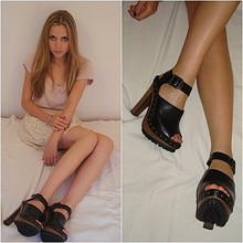 Lisa P - Zara Clogs - A new obsession