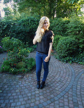 Sarah Bon - H&M See Through Blouse, H&M Shoes, H&M Jeans - THE GIRL WITH THE GOLDEN HAIR