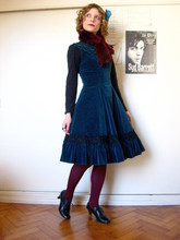 Rita Trixtar - Millefleurs Teal Velvet Dress, Faux Fur Stole, Bordeaux Tights, C&A Oxford Shoes - Lush winter