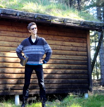 Eike Mikal - Levi's® Jeans, Asos Sweater, Vintage Sunglasses - Closer to nature