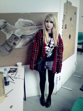 Kayla Hadlington - Charity Shop Cardigan, Charity Shop Slipknot Top, Diy Bleached Corduroy Shorts, Primark Tights, Primark Shoes, Charity Shop Vtg Bag - I'M A BIT MORE BLONDE THAN BEFORE