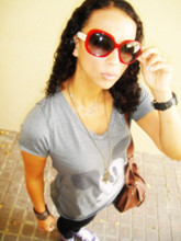 MS P - Zara Mickey Mouse, Ray Ban Vintage - Off Mall hopping.....