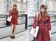 Cailin Klohk - Urban Outfitters Leo Headband, Zara Polkadot Dress, Yves Saint Laurent Ysl Manifesto Bag, Topshop Clogs, Mulberry Leather Bag - London Fashion Week SS 2011