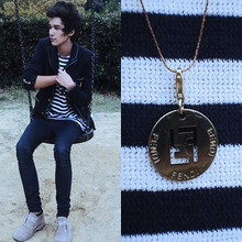 Davide Martella - Fendi Necklace, Les Essentiels Vintage Stripes T Shirt, Zara Blue Navy Blazer, Zara Blue Jeggings, Clarks Desert Boots - BLUE NAVY loves WHITE :)
