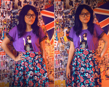 Muren LR - Lestin Rosen Smoking Lady Tees, H&M Flowery Skirt, Geek Glasses, Owl Necklace - The jack, truman capote..