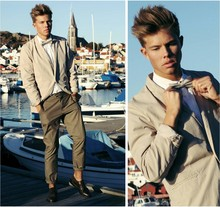 Andreas Wijk - Whyred Blazer, Calvin Klein Shirt, Whyred Trousers, Second Hand Shoes - Http://kanal5.se/andreas