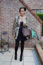 Cindy, Fashion blogger on www.glamour-blog.com - Zara Coat, Zara Dress, Louis Vuitton Bag, River Island Heels - Leopard jacket!