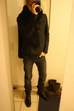 David ****** - Grandma Scarf, Neil Barrett Jacket, H&M Pullover, Cos T, Dior Homme Jeans, Hilfiger Shoes - Es wird kälter ...
