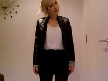 Lucy L - Calla Lily Leather Jacket, H&M Tailored High Waisted Shorts, Topshop Perfect White T Shirt - Wednesday at work