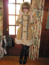FashionSheSays XX - Vintage Montgomery Ward Shearling Coat, Vintage Rotvonni Tortoiseshell Sunnies, Yves Saint Laurent 'Muse' Bag (On Door), Vintage Perry Ellis Flag Scarf (On Bag), Vintage Jcracker's Cowboy Boots - Heidi