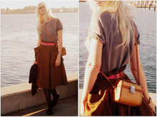 Coury Combs - Alternative Apparel Sweatshirt, H&M Skirt, Vintage Woven Mini Bag - Out to sea.