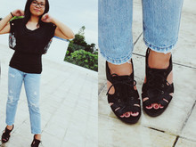 Shanice Garcia - Greenhills Black Lace Top, Abercrombie And Fitch Ripped Jeans, Aldo Oxford Heels - I've been wondering