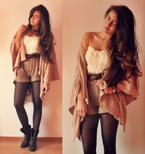Klaudia Klara - Diy Woolen Corset, Second Hand Belt, H&M Shorts, Second Hand Poncho, Second Hand Boots, Opia Ring - Bella Luna - Jason Mraz <3
