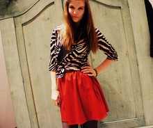 Amelie F.. - Zara Skirt, Zara Blouse - I'll be there when you heart stops beating.