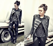 Klaudia Klara - Diy Jacket, Diy Leggings, Diy Bodychain, Dinsko Wedges - Steady as she goes