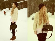 Emmy A - Zara Hat, Bikbok Leggings, Bershka Shoes - Snowfall