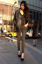 Denni Elias - Acne Studios Leather Jacket, Yves Saint Laurent Ysl Shoes, Topshop Jeans, Vintage Blouse - Un vent d'amour