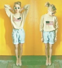 Agnija Grigule - Second Hand Shop Beige Jumper With American Flag - USA