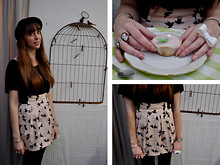 Ines Raskolnikov - H&M Skirt, Black Tshirt, Vintage My Loved Hat, Diy Rings - There's a bluebird in my heart that wants to get out.