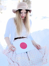 Amanda Brohman - Grandma's Vintage Polka Dot Dress, Monki Beige Hat, H&M Emroidered Cardigan, Japan Japanese Flag - Salute to Japan