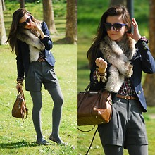 Alexandra Per - Lefties Plaid Shirt, Westrags Blazer, Lefties Shorts, Pull & Bear Flats, Bimba&Lola Bag, H&M Faux Fur Neck, Giorgio Armani Sunglasses - Faux fur neck, plaid shirt & animal print flats