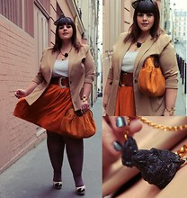 Stephanie - BigBeauty Zwicky - Call Me Ponie Bow, Call Me Ponie Leather Skirt, Chanel Shoes, Lena Klax Necklace, Heidis Bag, Von Janet Belt, Dorothy Perkins Blazer - + Ponie au paprika +