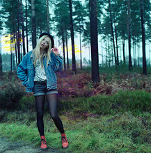 Chloe-Alice Watson - Urban Outfitters Bowler Hat, Levi's® Denim Jacket, Dr. Martens Boots, Flea Market Tokyo Shirt, Zara Studded Shorts - Between the Trees.