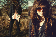 Bethany Olson - Forever 21 Aviators, Kalos Feathers Feather Earrings, Forever 21 British Flag Tank - Houdini.
