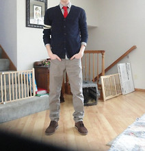 Ross D - Club Room Knit Tie, Bdg Cardigan, H&M Button Shirt, H&M Slim Chinos, Clarks Boots - Service