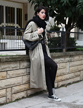 Brigitte Feld - Vintage Trenchcoat - Waiting For The Next Best Thing