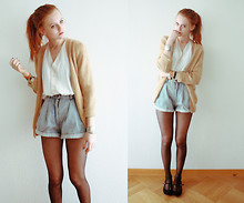 Katrina J. - Vintage Shorts, Urban Outfitters Flats - If my honey comes back
