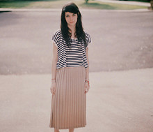 Krysta M - Forever 21 Top, Thrifted Pleated Skirt - Free fallin'