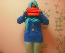 Iyza Ariff - Red Sling Bag, Forever 21 Owl Necklace, Cotton On Blue Top, H&M Pashmina, Vintage Bangles, Faded Jeans - What are you wearing today? RED ALERT!