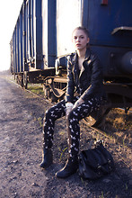 Maria Bros - H&M Overalls, Bershka Jacket, H&M Wedges, H&M Bag, H&M Jewelry - SUBURBS TRAINS