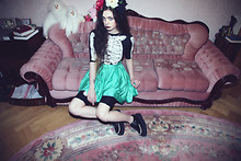Violet Ell - Necklace, Second Hand Skeleton Costume, H&M Skirt, Tuk Creepers - 03.04.2010