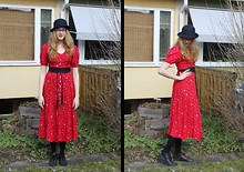 Sigrid V - Vintage Hat, H&M Black Wrap Belt, Vintage Red Button Up Dress, H&M Black Shoes - 14 degrees celsius and loving it
