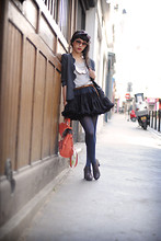 Leeloo P - Sunglasses Vintage, Headband Vintage, American Apparel Skirt, Jacket Gat Rimon, Chloé Bag See Be Chloe, Shoes Alberto Fermani, Maje Top, Necklace Claire Pain - Paris en tutu