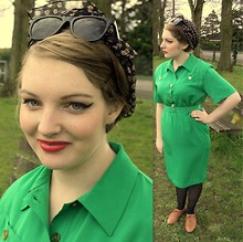 Katiiee . - Vintage Dress, New Look Brogues, Primark Fake Ray Bans - Turn that frown upside down.