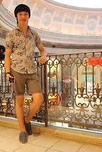 James Jason Martin - Zara Bluish Floral Polo, H&M Brown Smart Shorts, Zara Light Denim Espadrilles - Seems like Italy