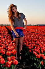 Lara Rose Roskam - Mady By Myself Clutch, Zara Orange Short - Colourful Fields
