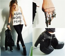 Emma Nilsson - H&M, Weekday, Armour Ring, Buckle Wedges - IMAGINE A WORLD IN PEACE