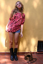 Marta Castellanos - H&M Animal Print Top - Big sunnies it´s just what I need