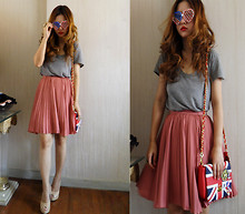 Vera Kay - Vintage Pleated Skirt, Weekend Market Grey Tee, Weekend Market Flag Bag - The look of love
