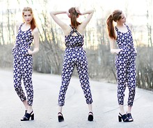 Ebba Zingmark - Jumpsuit, 2hand Shoes - ONE OF US IS GONNA DIE YOUNG