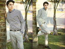 Oliverio Perez - American Apparel Striped Sailor Pullover, American Apparel Chambray Shirt, 2nd Hand Belt, H&M Chino's - Blue skied an' clear