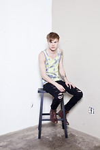 Fredric Johansson - Virginblak Acid Washed Tank, Salt Avenue Ripped Jeans, Selected Boots - Pol