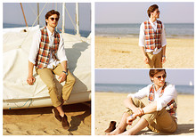 Alexeev S - Ray Ban Glasses, Uniqlo Vest, Zara Shirt, Polo Ralph Lauren Chinos, Vintage Shoes - Sea+Sun
