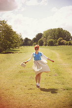 Kerry Lockwood - Beyond Retro Vintage 1950's Gingham Full Skirt, H&M Cream Cardigan, Topshop Cornflower Blue Jersey Shirt, Absolute Vintage Cream Crochet Box Bag, Two Tone Oxford Brogues, H&M Small Round Brown Sunglasses - Going Up The Country...