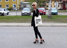 Victoria Törnegren - 365ways Tote Bag - Imagine this is an expensive bag